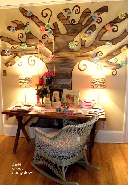 How is this for reclaimed wood decor?! This is an amazing tree!