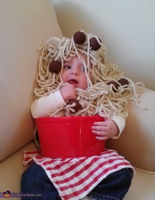DIY spaghetti costume -- Design Dazzle