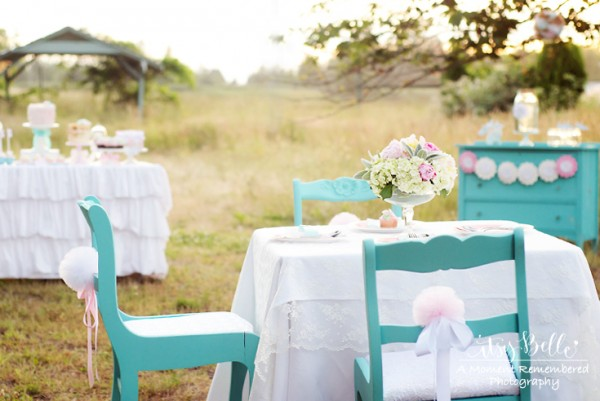 vintage little lamb party seating table