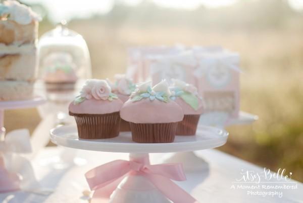 little lamb party cupcakes