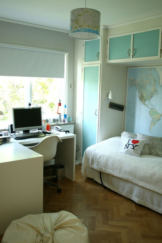 teen boys room with maps