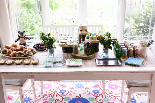 woodland wonder party table