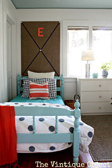 Trend shared girls room bed