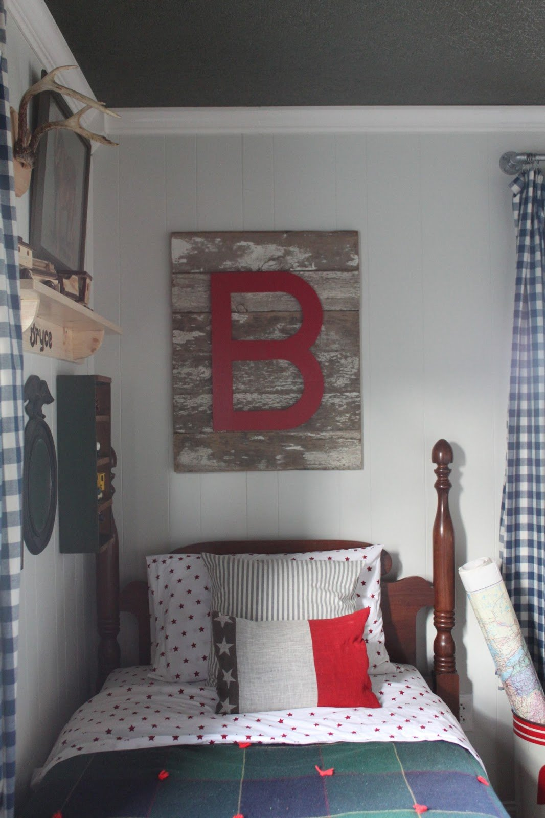 Cozy vintage boys room design dazzle Vintage childrens room decor