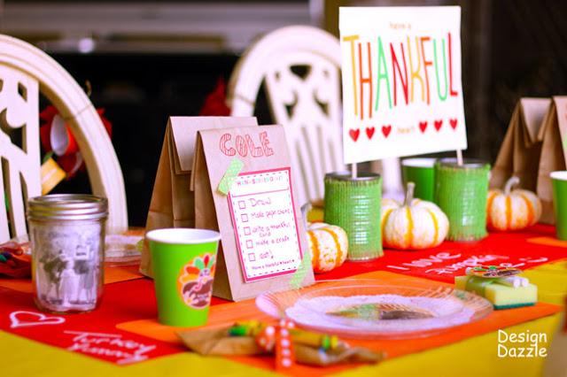 kids Thanksgiving table ideas - free printables! Design Dazzle