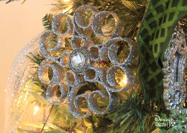 toilet paper roll ornament on Christmas tree - Design Dazzle