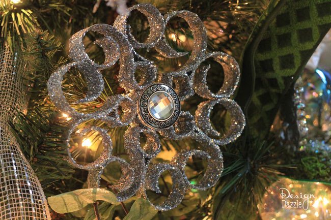 Christmas ornament made from toilet paper rolls - Design Dazzle