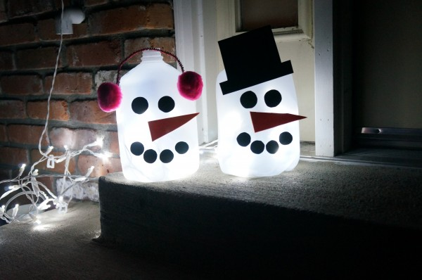 Light up outdoor snowman design dazzle for Christmas crafts with milk jugs