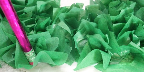 Making-a-Tissue-Paper-Wreath