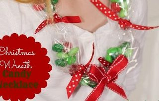 Christmas Wreath Candy Necklace