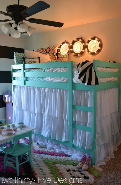 Fun funky girls room design dazzle for Fun girl bedroom ideas
