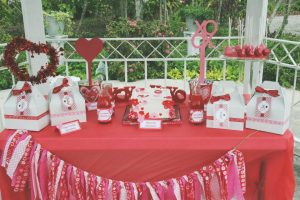 Valentine Party dessert table