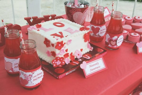 Candy Kisses Valentine party cake