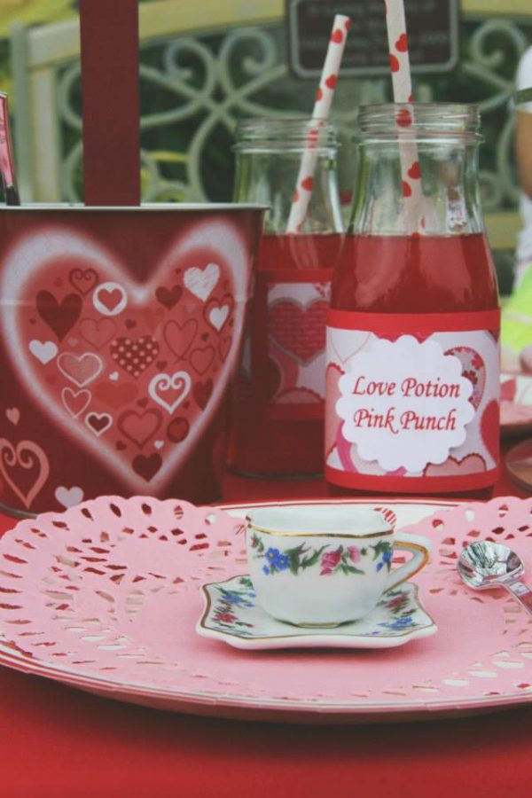 Candy Kisses Valentine Party teacups