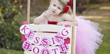 Valentine kissing kids booth