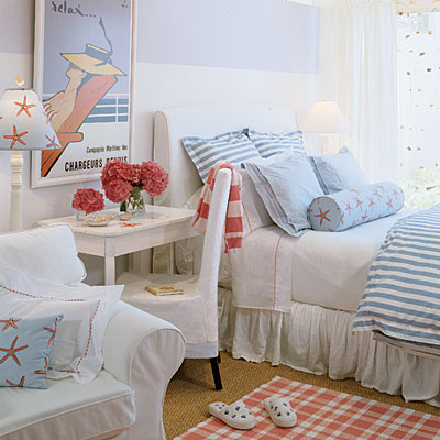 25 fabulous nautical rooms for kids design dazzle for Beach house bedroom ideas