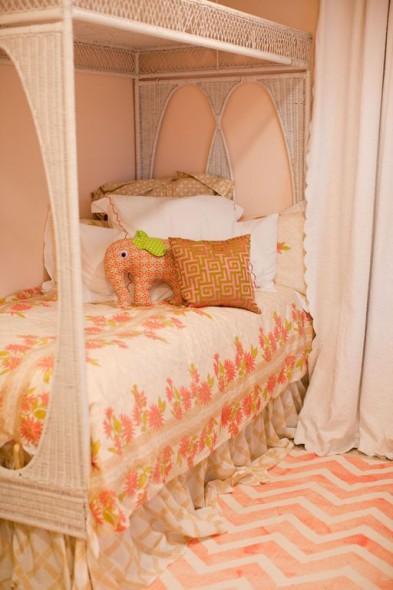 chevron rug in girls room