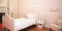 Girl's Glammed Up Room
