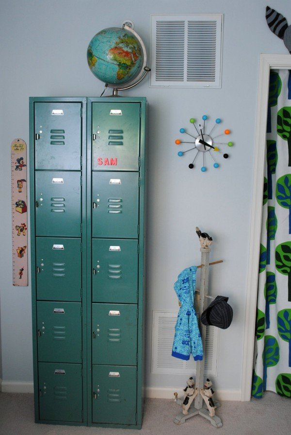 locker storage in kids rooms design dazzle rh designdazzle com Wooden Lockers for Mudroom Metal Storage Lockers for Bedroom