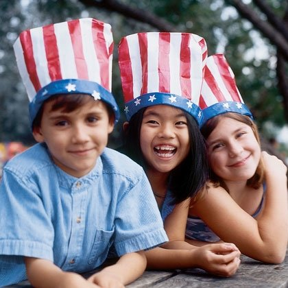 4th of July Kids Crafts! Awesome patriotic bag hats.
