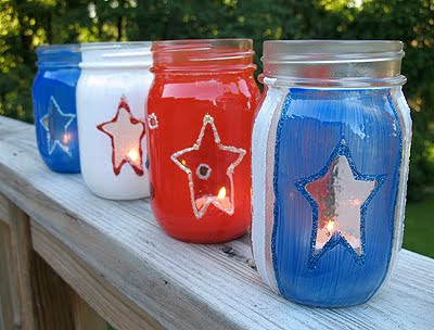 4th of July Crafts for kids! Red, white, and blue luminaries for kids to make!