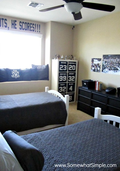 shared boys room hockey room i love the clean look of the grey