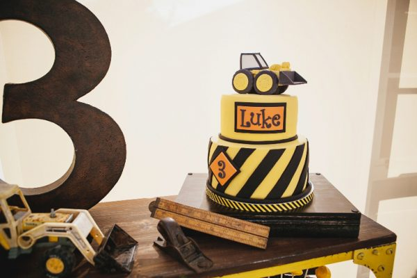 Contstruction Party birthday cake