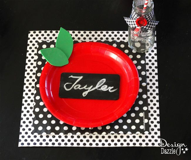 Create a back to school breakfast placesetting for your kids. Simple ideas with a free printable! Design Dazzle