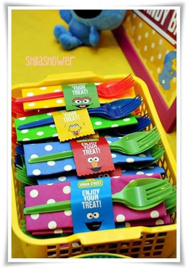 Fireman Birthday Printables in addition View Frozen 2013 animated movie Wide likewise Best Sesame Street Party Ideas furthermore 262756959483233132 additionally 2000 Seria Fast Furious Nekonci Dockame Sa Minimalne Dalsich Troch Filmov. on oscar party printables water bottle