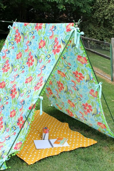 Simple outdoor tent for kids using tomato stakes & Outdoor Tents for Kids - Design Dazzle
