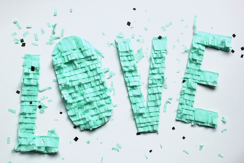 diy easy fringe letters diy party decor ideas