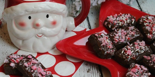 Chocolate-Peppermint-Shortbread-Cookie-Recipe