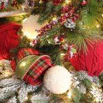 Christmas Tree Decorating Tips & Hacks