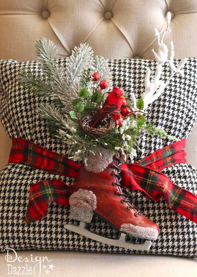 Santa's Cabin in the Woods Christmas Tree. Lots of easy DIY projects to create this rustic, plaid Christmas tree. | diy Christmas tree | Christmas tree decor ideas | how to decorate a Christmas tree | Christmas tree decorating tips | Christmas home decor | Christmas tree home decor || Design Dazzle #christmastree #christmastreedecor #christmasdecor