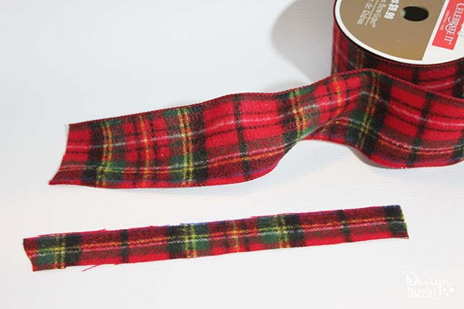 give reindeer antlers a plaid makeover with this two step tutorial see more at designdazzle