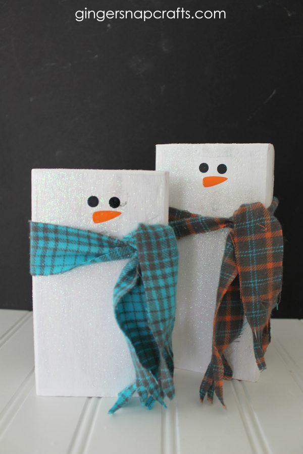 2x4 Snowmen Kids Craft Tutorial for Christmas Wonderful Series by GingerSnapCrafts.com #gingersnapcrafts #tutorial