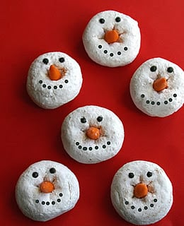 Quick and simple snowman donuts for Christmas treats