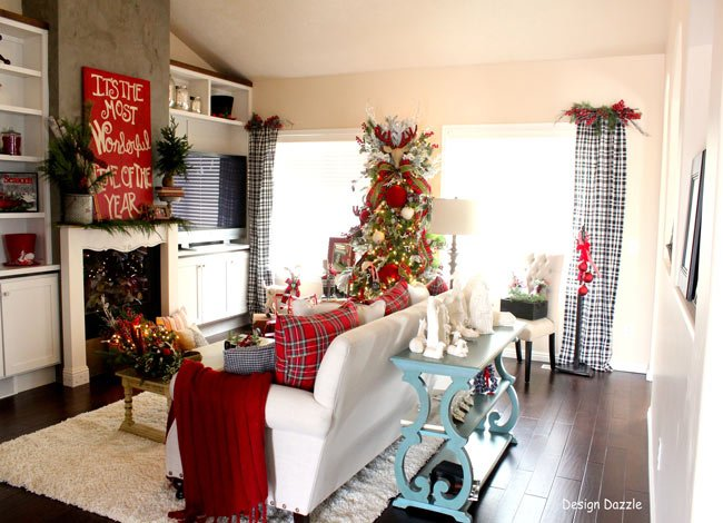Christmas Home Tour wit some of my favorite decor! Check out all the DIY projects!