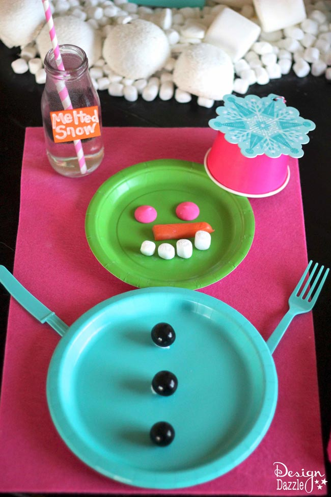 How to make an easy snowman placesetting.  Design Dazzle #HostessHoliday