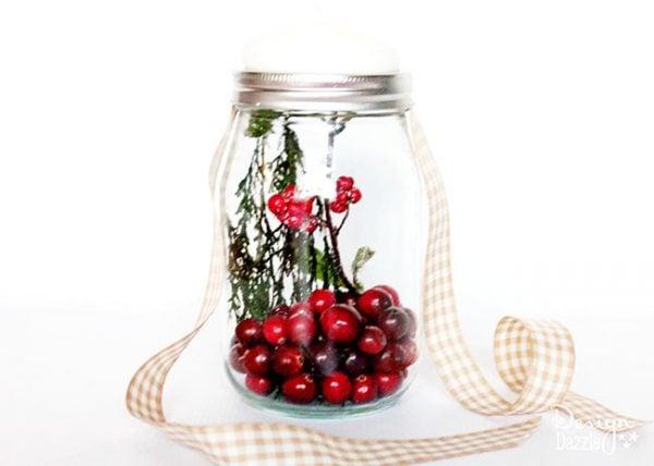 Mason jar gift idea. Free printable on Design Dazzle.