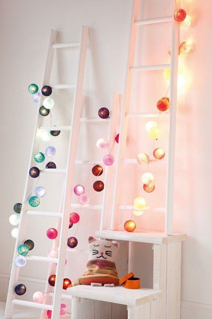 Making magic in kids rooms with fairy lights design dazzle for Room decor ideas with fairy lights