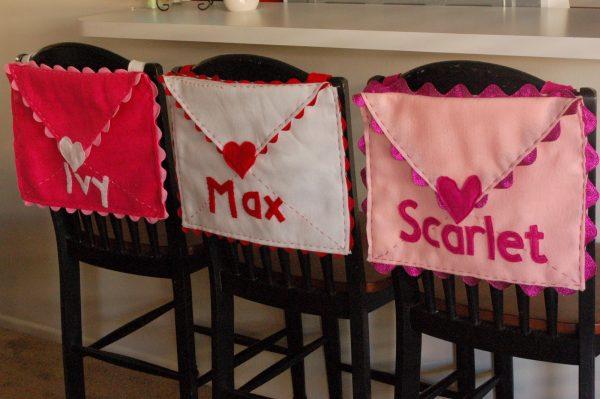 Fun Valentine envelopes! Find more Valentine Holder Ideas on Design Dazzle.