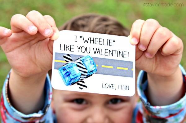 Cute non candy Valentine ideas! See more on Design Dazzle.