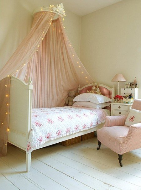 bed canopy with fairy lights