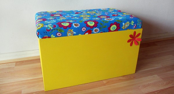 Toy storage solutions that you can make design dazzle Build your own toy chest