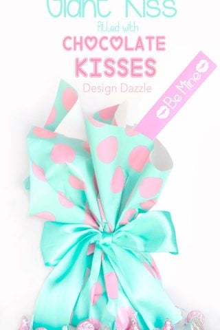 Giant Valentine Kiss filled with kisses - Design Dazzle