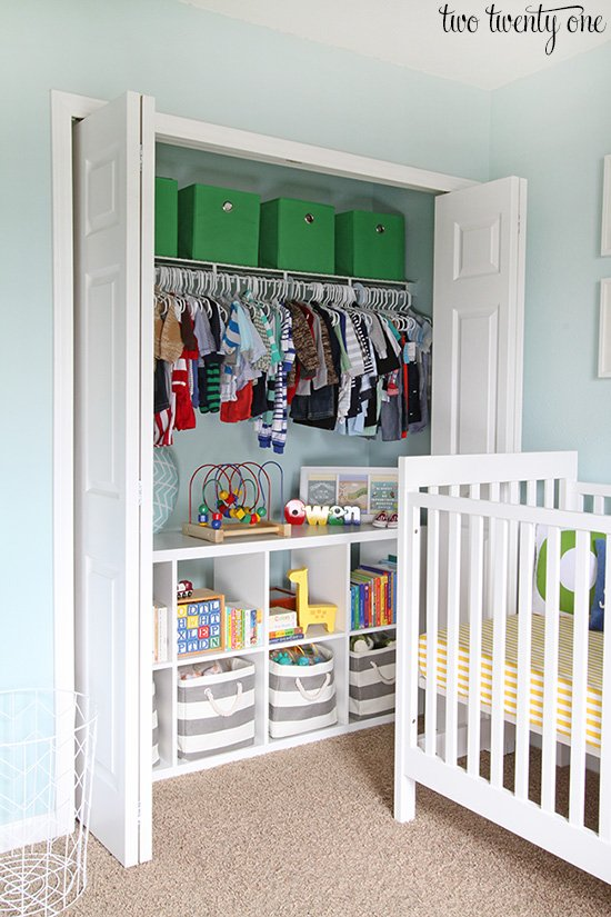 Organize Your Kids Closet With Toy Shelves Under Hanging Clothes. Find More Kids  Closet Organizing