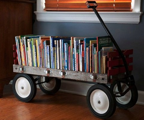 Love this wagon bookshelf! Such smart toy organization!