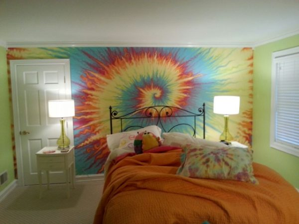 tie dye wall with DIY instructions
