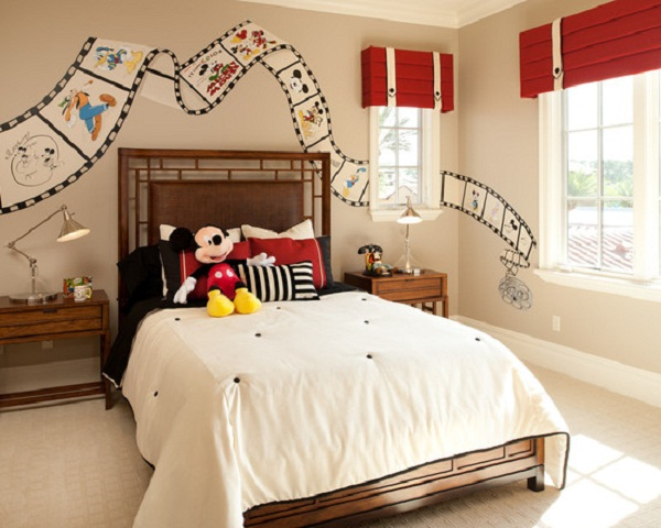 Gentil Mickey Mouse Mural In A Bedroom